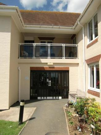 Communal Balcony above Entrance