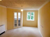 Apartment in Westwood Court 174...