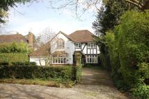 Detached home for sale in 26 Maiden Erlegh Drive....