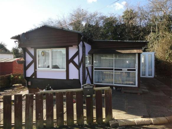 2 Bedroom Park Home For Sale In Caldwell Caravan Site Bradestone