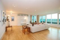 Flat for sale in Kestrel House...