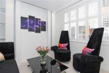 Studio apartment for sale in Buckingham Gate...