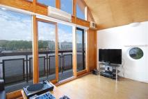 1 bed Flat to rent in Riverside Court...
