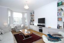 3 bed Flat in Gladstone Court...