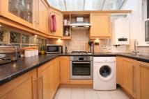 2 bed Flat in Buckmaster Road...