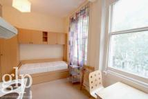 Studio apartment to rent in Beaufort Gardens...