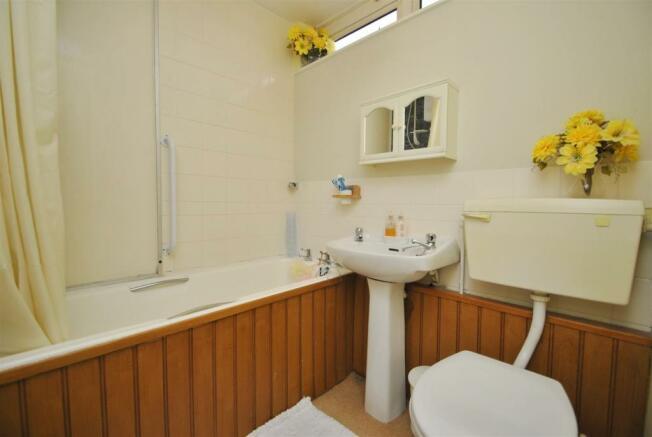 familybathroom.JPG