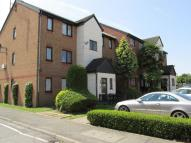 Studio flat in Plowmans Close, Edmonton