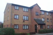 Flat to rent in Streamside close