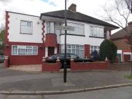 4 bed semi detached property for sale in THE RISINGS, WALTHAMSTOW