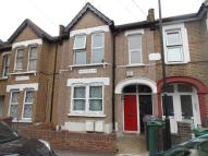 2 bed Ground Flat in ST JOHNS ROAD...