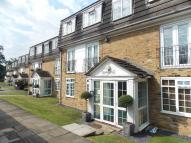 Flat in Crofton Way, Enfield