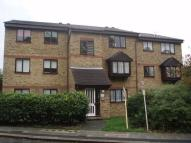 Flat to rent in Grove Road...