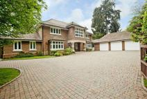 6 bed Detached house in Amersham Road...