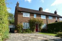 3 bed semi detached house in The Meadows, AMERSHAM