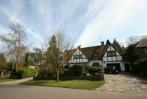 Detached home for sale in Thornhill Road...