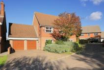 Detached property in Five Fields Close...