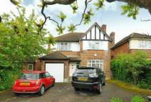 4 bed Detached home in Ardross Avenue, Northwood
