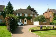 4 bed Detached home in South Approach, Moor Park