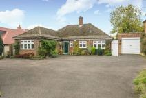 Detached Bungalow in The Mount, Rickmansworth
