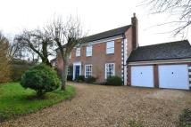 4 bed Detached house in Vicarage Lane...