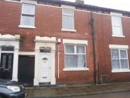 Emmanuel Terraced house to rent