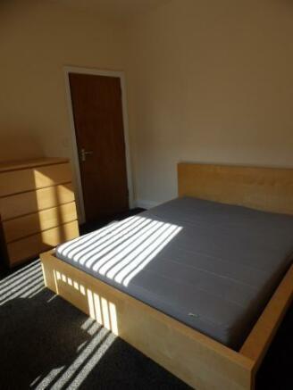 557_192 Emmanuel bed 1c.JPG
