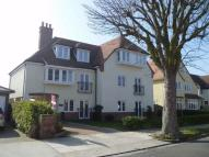 Flat to rent in Winchester Road...