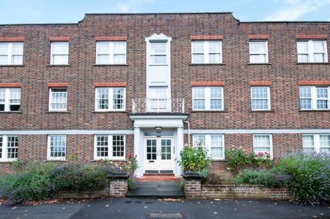 3 Bedroom Flat For Sale In Home Park Walk Kingston Upon Thames KT1