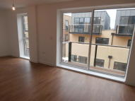 2 bed Flat to rent in Surbiton Plaza 2...