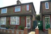 2 bed house in Buckingham Road, Kingston