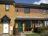 2 bedroom Town House to rent in Hedgerow Gardens...