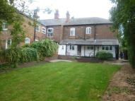 Ground Flat to rent in Osborne Street, Winshill
