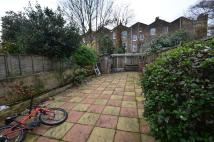 Clifden Road Ground Flat to rent