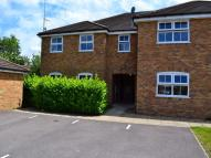 Town House to rent in Ladbroke Close, Woodley...