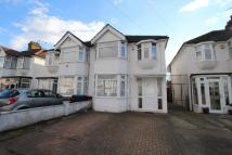 3 bed home in Hadleigh Road, London