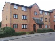 Ground Flat for sale in Streamside Close...