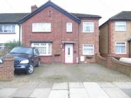 5 bed Terraced property in Stoneleigh Avenue...
