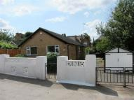 Detached Bungalow to rent in Aubrey Road, Sherwood...