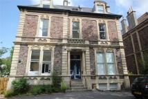 Flat to rent in Priory Road, Clifton...
