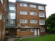 2 bed Flat in Buck Lane, LONDON