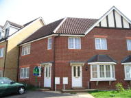 Flat to rent in Guernsey Way, Kennington...