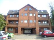 Flat to rent in Romany Court Beacon Road...