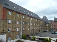 Flat to rent in The Maltings Clifton...
