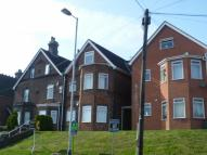 Flat to rent in North Farm Road...