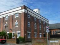 Flat in Amberley Court ...