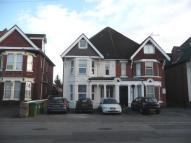Flat to rent in Thornbury Avenue...