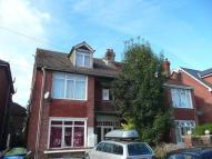 Flat to rent in Arthur Road, Southampton...
