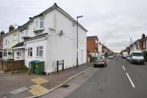 Flat to rent in Foundry Lane...