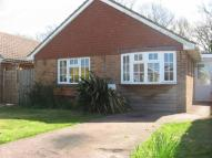Detached Bungalow to rent in Sunnymead Close...